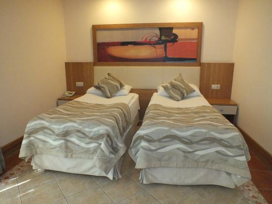 Hotel Samara: Chambre dans les bungalows