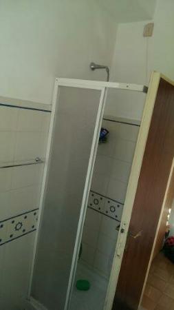 Hotel delle Stelle Beach Resort: doccia