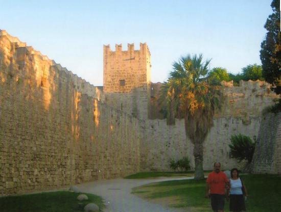 Rodos by, Hellas: cour intérieur du fort de rhôde