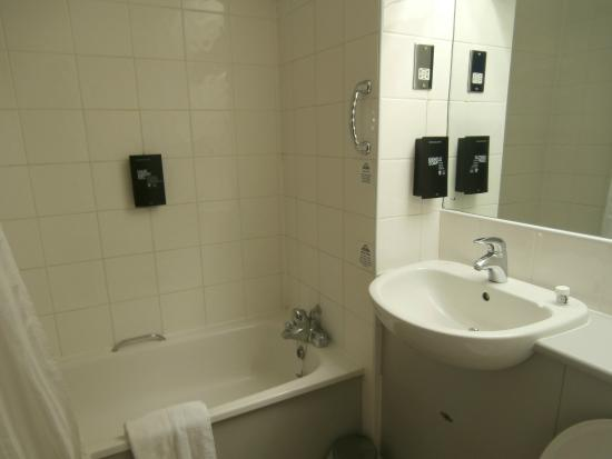 Days Inn London Stansted Airport: Bagno