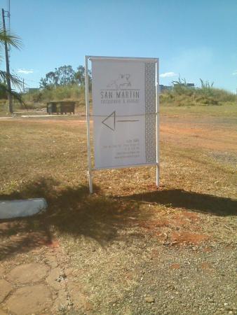 Parrilla San Martin Brasília: Parrilla San Martin, sinalização