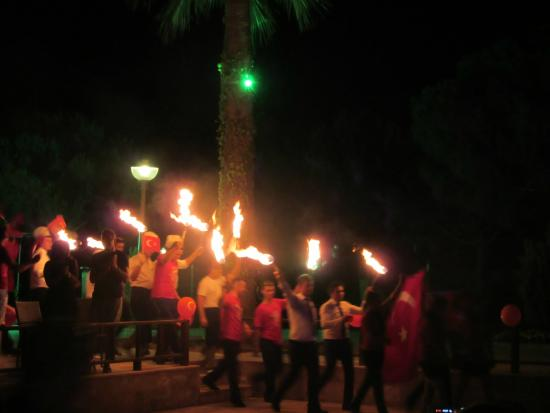 Venosa Beach Resort & Spa: The parade of fab staff on Turkish night