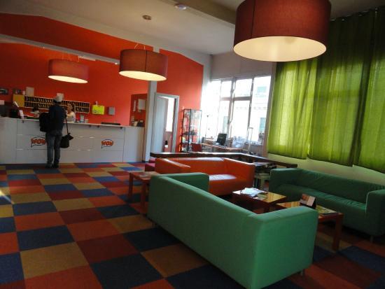 Wow Florence Hostel: Estar y recepción