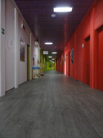 Wow Florence Hostel: Pasillo a las habitaciones