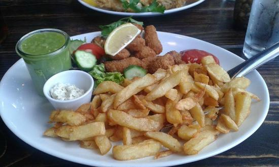 The Fish and Chip Kitchen: Scampi, chips & mushy peas
