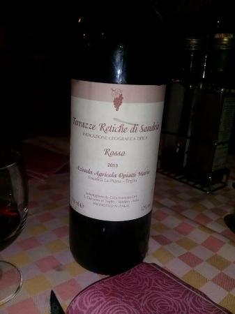 Agriturismo La Piana: Anche il vino è prodotto da loro ...perfetto per accompagnare il tutto .