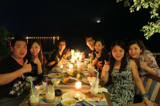 Rawai View Cafe' & Bar: Full moon dinner