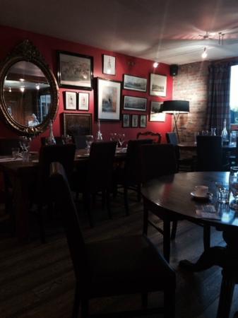 The Oak Tree Inn: Dining Room
