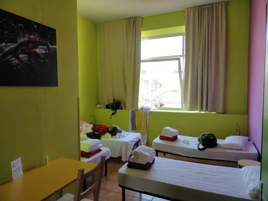 Wow Florence Hostel: Dormitorio
