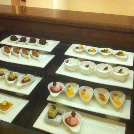 Baron Palace Sahl Hasheesh: Teil des Dessertbuffets