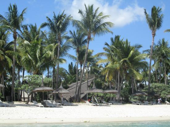 La Pirogue Mauritius: Beach