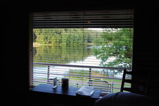 Peaks of Otter Lodge: A view out the room window at Lake Abbott