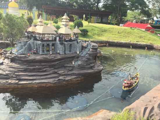 Legoland Malaysia: very cute lego