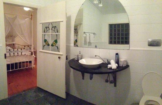Arcadia House: Bathroom