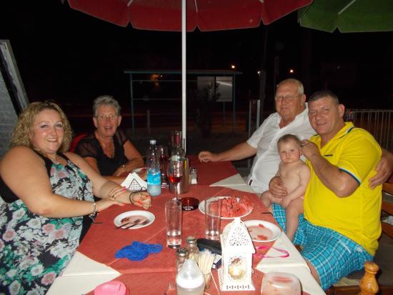 Nostalgia Taverna: Happy family