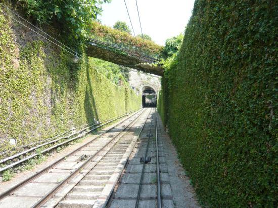 Funicolare Bergamo Alta: Subida del funicular a la Cita Alta