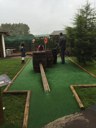 Krazy Golf Lydney: Great little course, loads to do with extra outdoor and indoor games. Excellent value for money