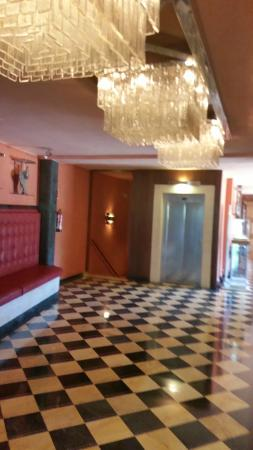 Salles Hotel & Spa Cala del Pi: ресепшин