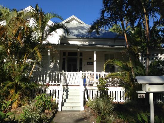 Arcadia House: The outsides