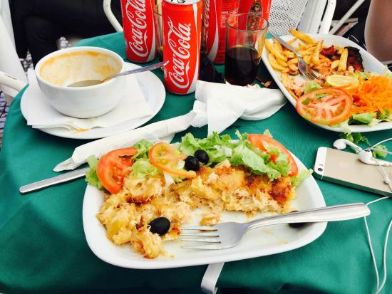Cafe A Brasileira: Delicious Cod with pastry