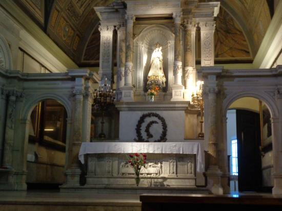 Our Lady of Rosario Basilica: Altar mayor