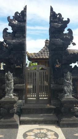Tanah Lot Temple: Breathtaking views