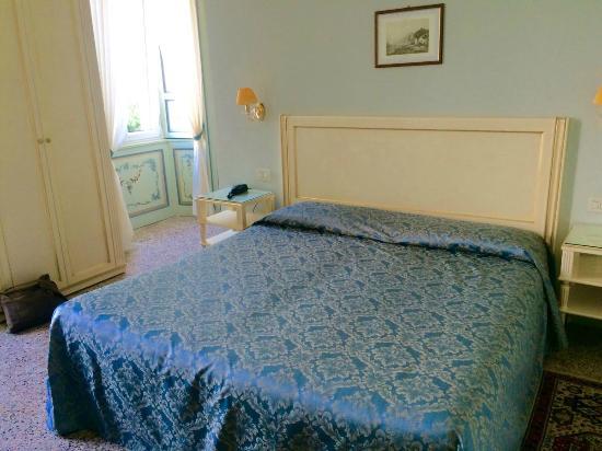 Villa La Mirabella: a chambre 2