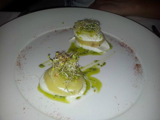 Melemangio - Ristorante: (Voto 8) Torretta di patate soutè, mozzarella e pesto