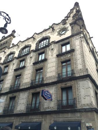 Hampton Inn & Suites Mexico City - Centro Historico: Exterior of the hotel