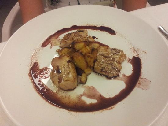 Melemangio - Ristorante: (Voto 7) filetto di maialino nappato al Dolcetto d'Alba e patate arrosto