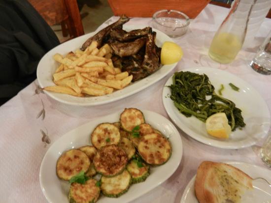 Mixalios Grill House: Agnello e zucchine