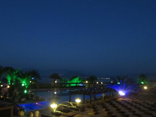 Venosa Beach Resort & Spa: Venosa at night