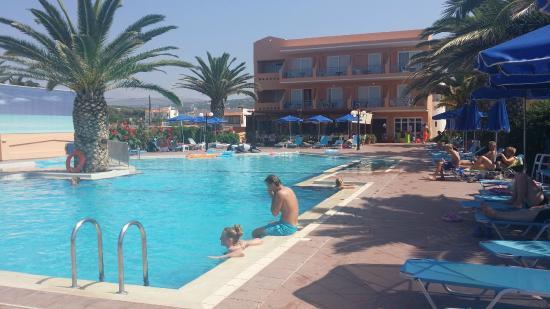 Akti Chara Hotel: Poolen