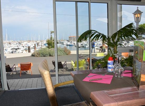 Le Transat: le port vue depuis le restaurant