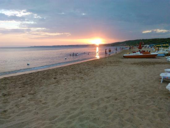 Residence Poseidon Club: spiaggia e mare al tramonto
