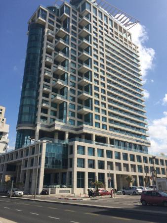 Royal Beach Tel Aviv: Фасад отеля