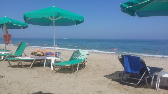 Akti Chara Hotel: Stranden
