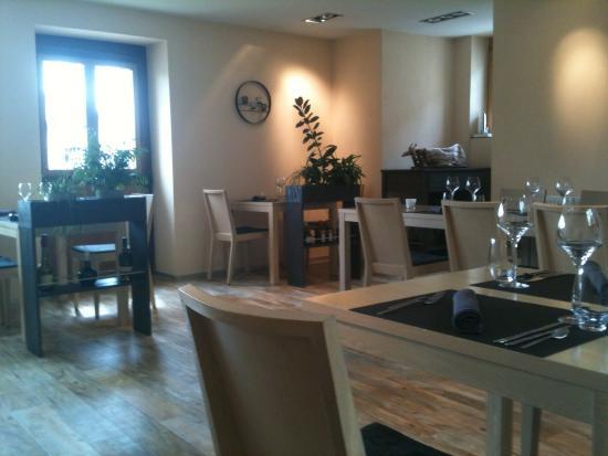 La Maison du Village: La salle du restaurant
