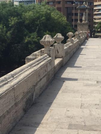 Antiguo Cauce del Rio Turia: Que lugar lindo. Apropriado para todos de todas as idades. São 10 km de verde no antigo trecho d