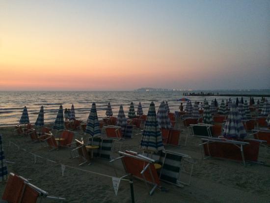 Fafa Resort: Beach at FaFa