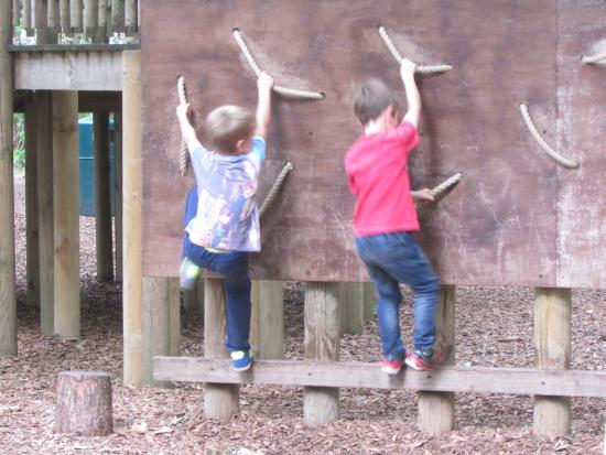 Yorkshire Wildlife Park: Climbing like monkeys!!