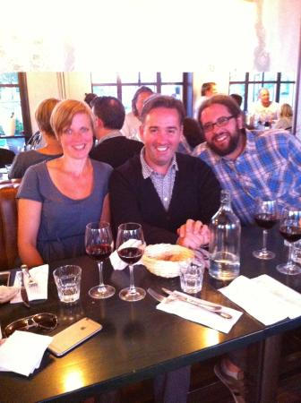 La Baracca Rossa: Enjoying a good wine with friends
