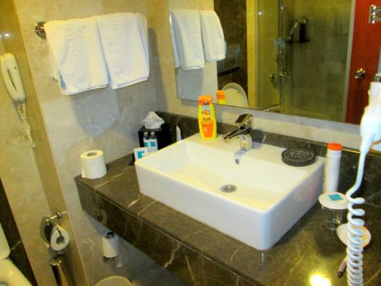 Turquoise Hotel: fürdőszoba
