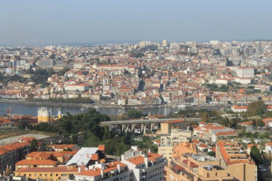 Holiday Inn Porto Gaia: vue depuis la chambre coté Douro