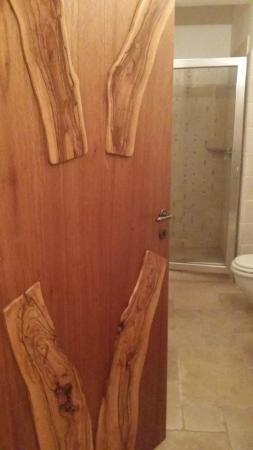 Tenute Al Bano: legno massiccio