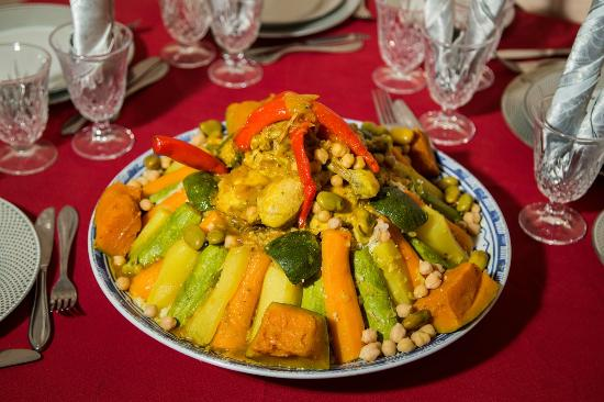 Chems Ayour: Couscous marocain