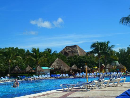Grand Bahia Principe Coba: our favorite spot  hang out during the day