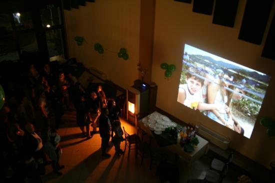 Agriturismo Argaland Parma: Sala feste proiezione