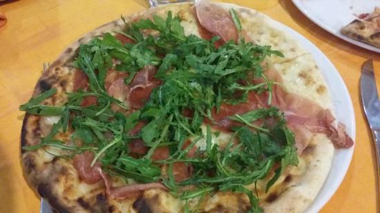 Tenute Al Bano: ottima pizza