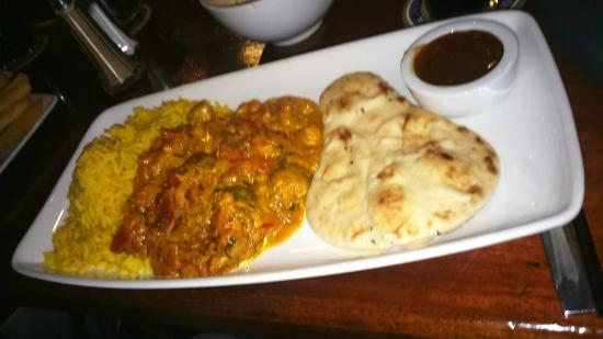 Black Bull Inn and Hotel: Veggie Curry with Rice and mini  Naan and Chutney